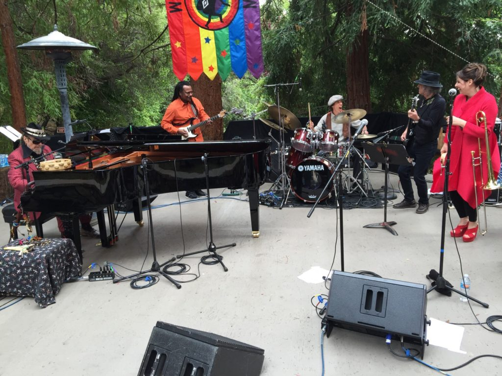2015. June 6th. Dr. John with musical director Sarah Morrow (Trombone), Pete Sears (Bass), Vernon Black (Guitar), David Rokeach (Drums), and Annie Sampson (Back-up vocals). Private high ticket price Benefit for Wavy Gravy's Camp Winnarainbow.
